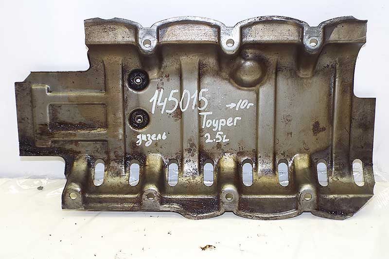 Маслоотражатель Volkswagen Touareg (145015СВ) Оригинальный номер 070115220С  поддона